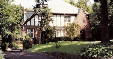 Photo of a Tudor House